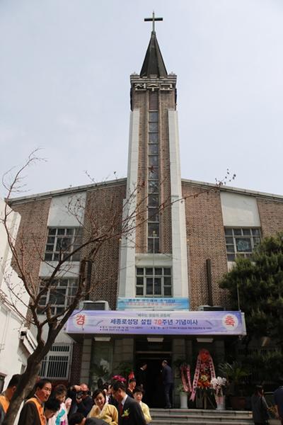 70주년 성당 사진1.jpg